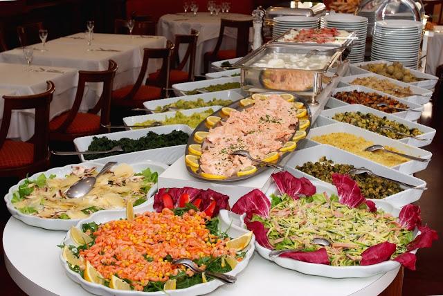 Етикет: подготовка на празничен бюфет. Сервиране на предястия