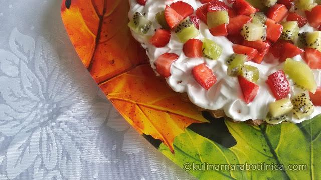 Ангелски сладкиш с плодове