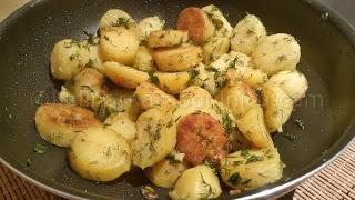 Картофи соте с копър и чесън