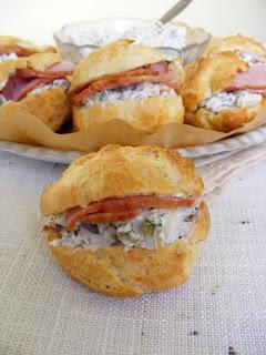 Рецепта за сандвич-еклери с пушено филе