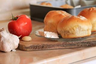 Хлебчета с аромат на чесън