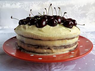 Шоколадова торта с череши и маскарпоне