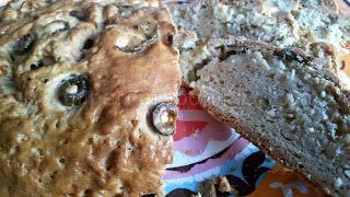 Хляб с маслини и сметана