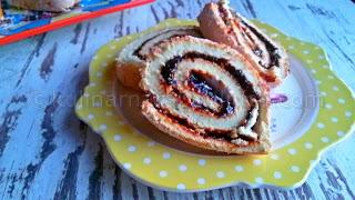 Руло със сладко от сини сливи