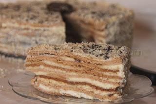 Торта с домашен крем и сладко от смокини