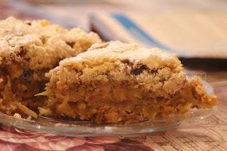 Сладкиш с ябълки и грис - рецепта
