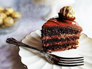 """Торта """"Фереро Роше"""" - класическа рецепта"""