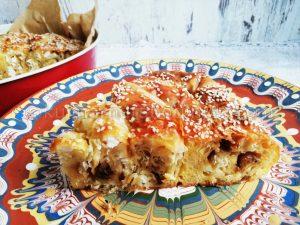 Рецепта за вита баница със сирене и лук