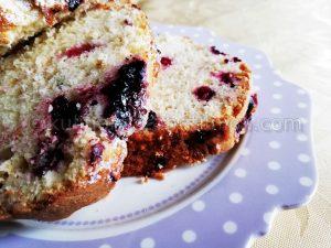 Рецепта за сладкиш с горски плодове и кефир