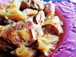 Свинско с прясно зеле - рецепта