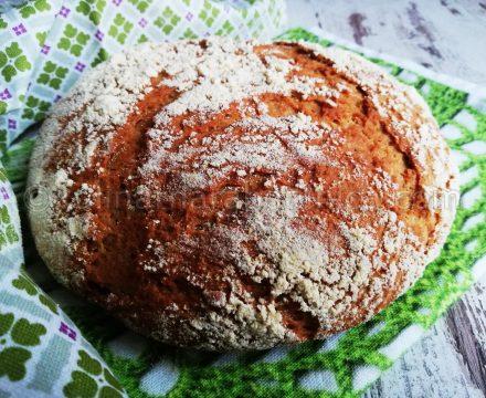 Хляб с лимец и царевично брашно в йенска тенджера