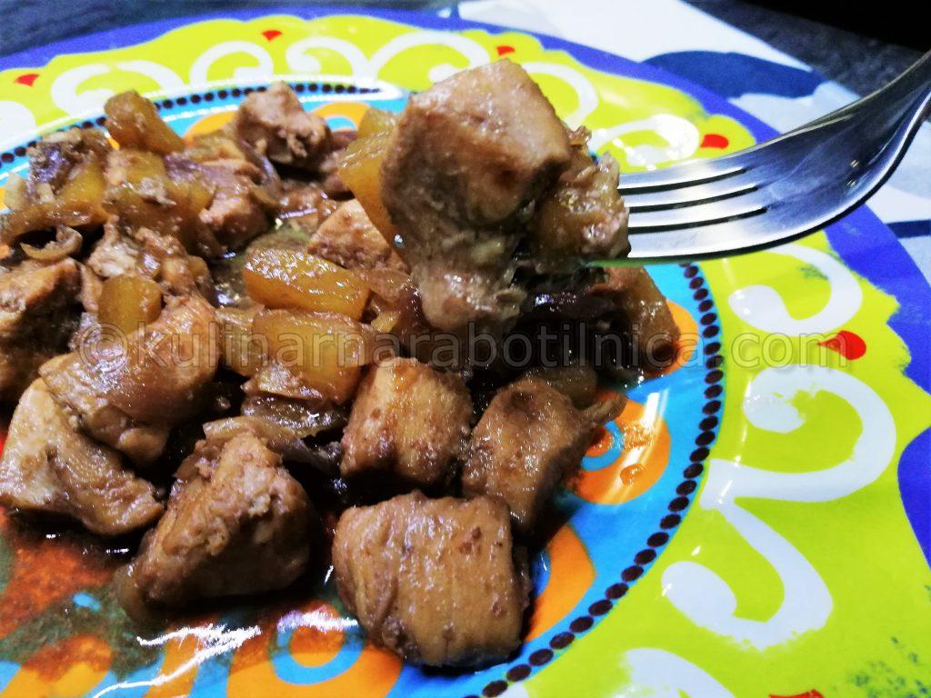 Пиле с ананас