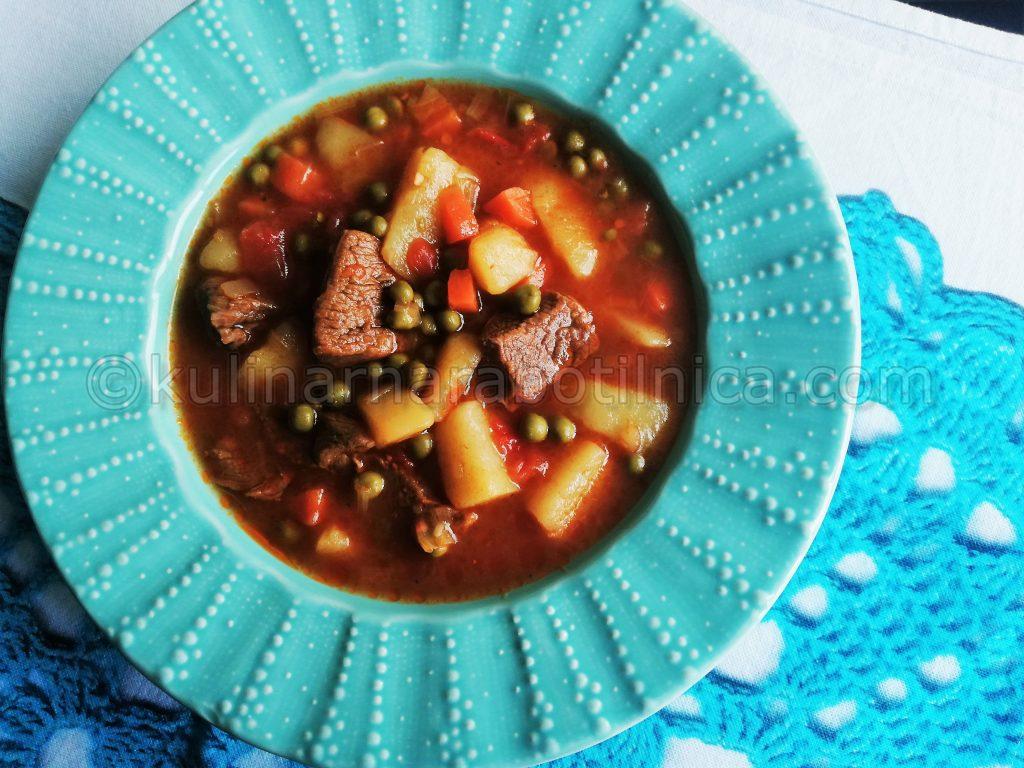 Телешка супа с картофи и грах