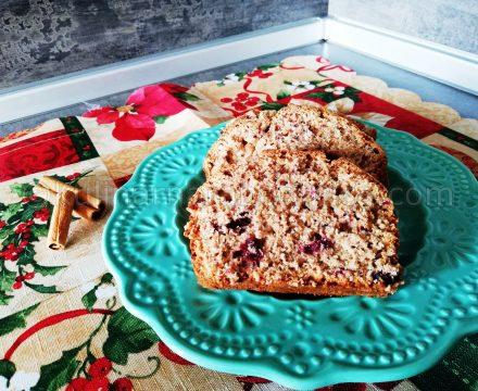 Кекс с пълнозърнесто брашно и горски плодове