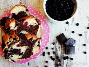 Рецепта за кекс с шоколад, боровинки и къпини