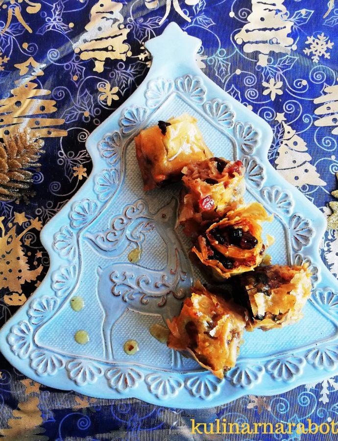 Баклава с орехи и сушени плодове