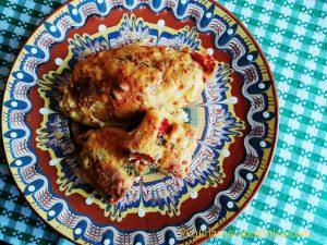 Чушки бюрек с извара и сирене на фурна - рецепта