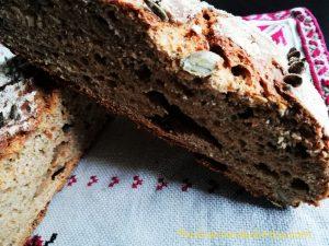Пълнозърнест хляб с брашно от лимец и чия