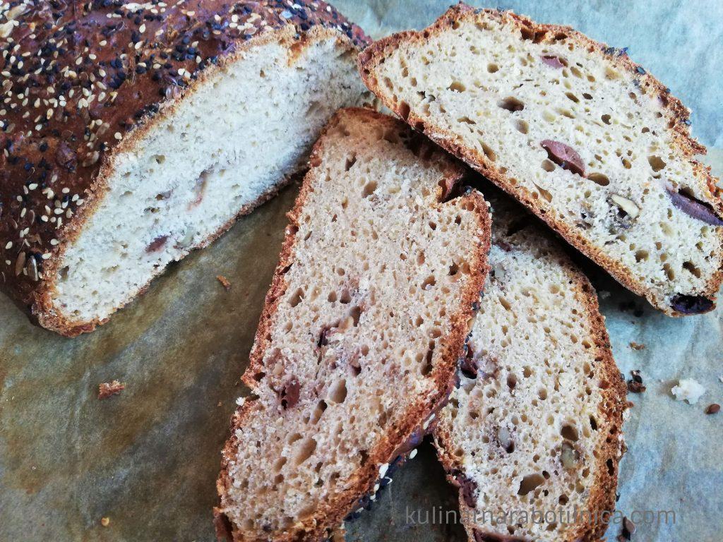 Пълнозърнест хляб с овесени ядки