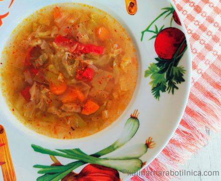 Диетична зелева супа