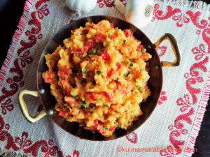 Рецепта за картофена лютика с чушки и домати